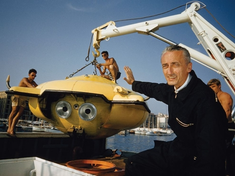 Cousteau-diving-saucer-480