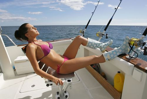 Sexy_Girls_Fishing-003