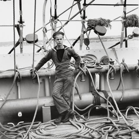 Lg_Tall_Ship_sailor_David_Moore