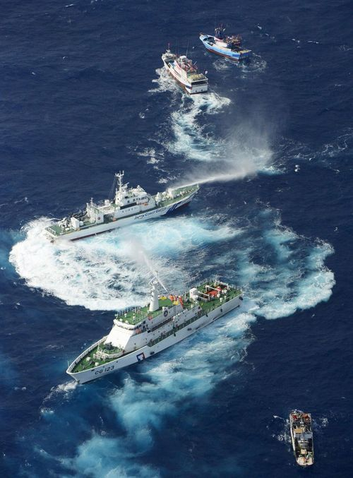 Japan-taiwan-ships-squirt-water