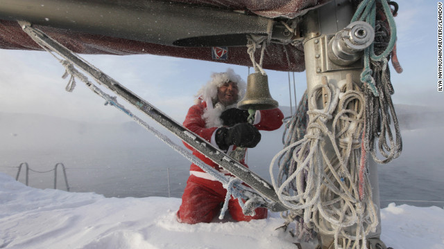 Santa sails 2