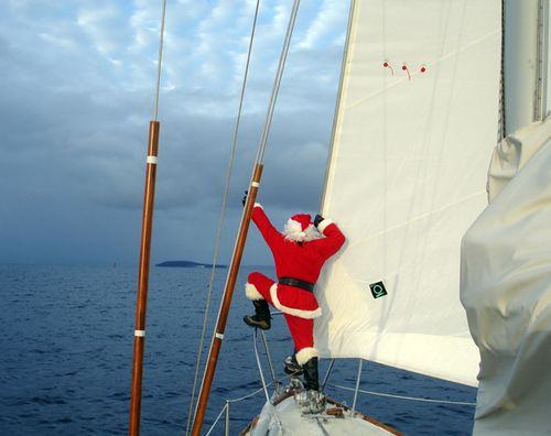 Santa_sailing