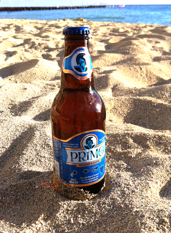 Primo_Beer_at_Kaimana_Beach