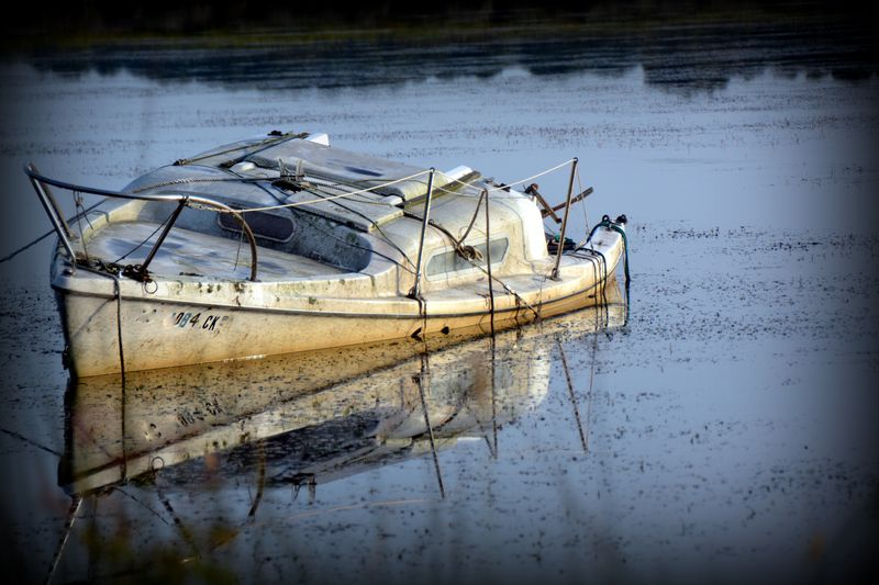 Neglected-boat-8-31-2014-7-48-28-am