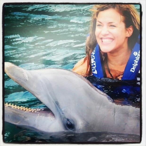 Caroline-flack-swimming-dolphins