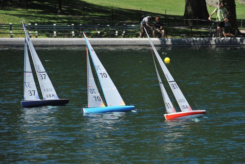 Ny central park pond sailing