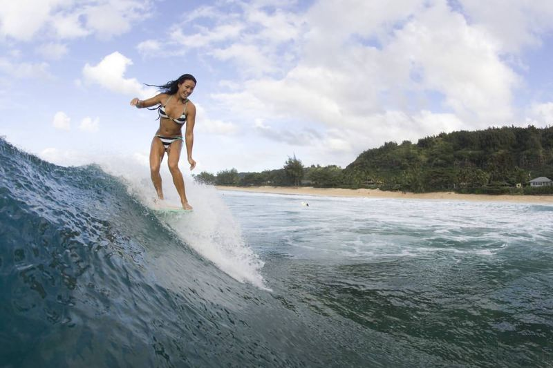 Girl-surfing04