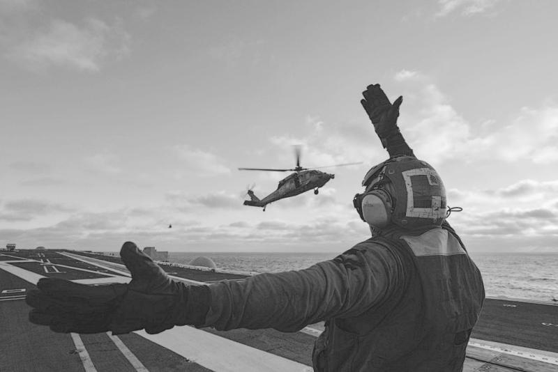 Image-of-the-Day-Sea-Hawk-Lands-aboard-USS-John-C.-Stennis-1024x683